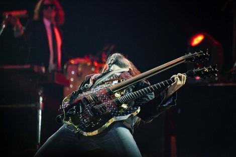Guns N' Roses Concert (Bumblefoot)